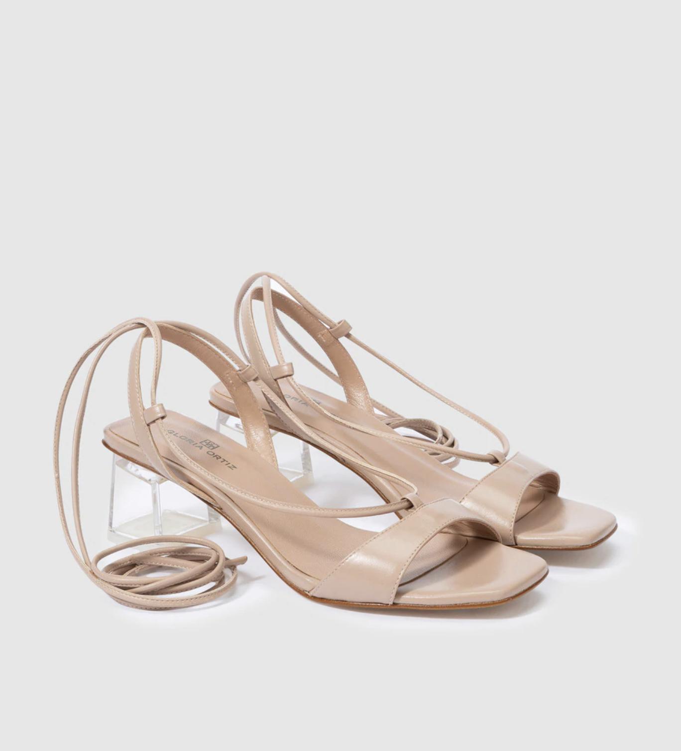 Sandalias de tacón de mujer Gloria Ortiz de piel con cierre de cordones al tobillo