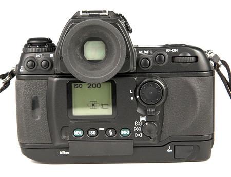 Nikon F6 Retirada 02