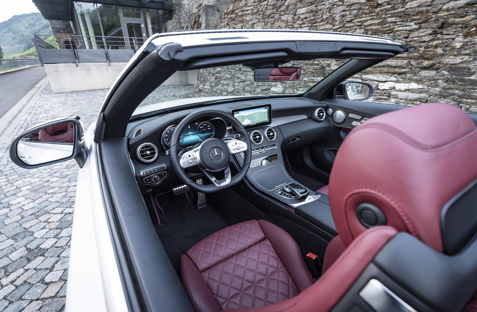 Foto de Mercedes-Benz Clase C 2018, toma de contacto (80/255)