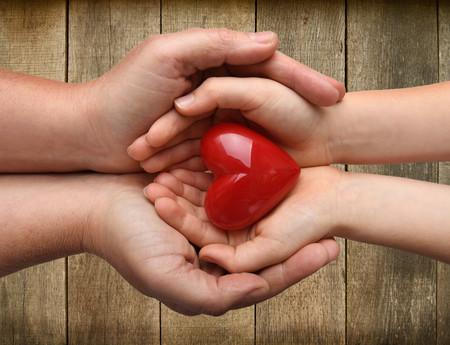 Un niño de siete años recibe un trasplante múltiple de cinco órganos, en una operación sin precedentes en Reino Unido