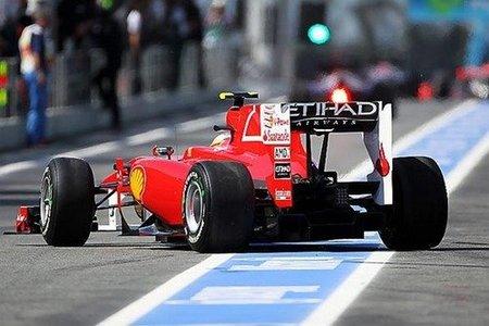 Fernando Alonso tuvo un susto con Nico Rosberg saliendo para la Q3 del GP de España 2010 de Fórmula 1