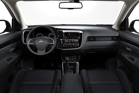 Mitsubishi Outlander 2019 11