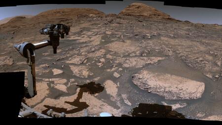 Con una nueva panorámica compuesta por 129 imágenes la NASA nos muestra cómo se vería un día soleado en Marte