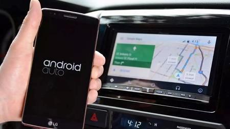 Ya se puede usar Android Auto sin cables en el coche: la versión inalámbrica ha llegado (aunque no para todos)