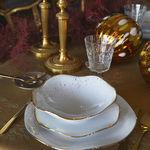 Cinco mesas de Navidad diferentes, para otros tantos estilos, con vajillas de Molecot