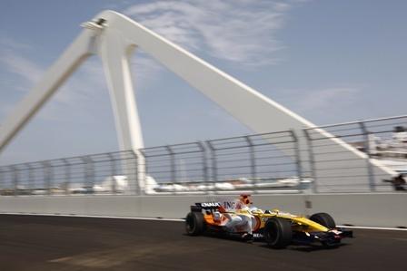 Fernando Alonso invita al optimismo en el Valencia Street Circuit