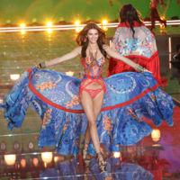 Kendall Jenner, ¿es un ángel? No, es una hermosa mariposa la que desplegó sus alas durante el show de Victoria's Secret