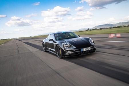 Porsche Taycan eléctrico 26 veces de 0 a 200 km/h