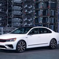 ¡Más madera! El Volkswagen Passat GT es más agresivo y potente, pero no lo catarás