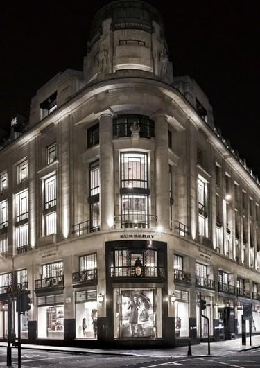 El nuevo buque insignia de Burberry en pleno corazón del <em>shopping</em> londinense