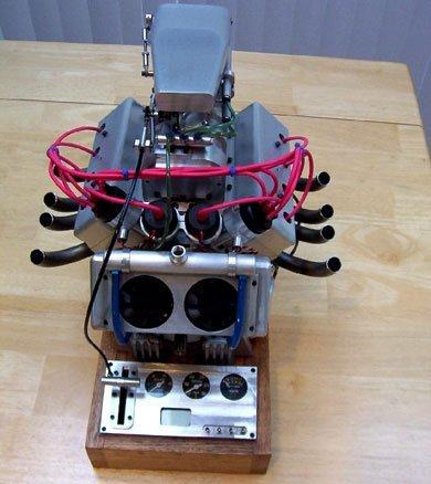 El motor V8 con compresor más pequeño del mundo
