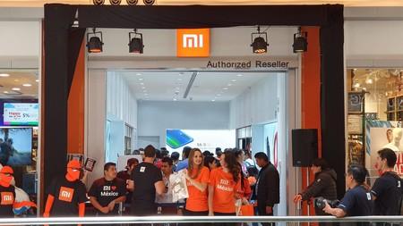La tercera Mi Store de Xiaomi abre sus puertas en México, y la gran sorpresa es la llegada del Mi 9 SE al país