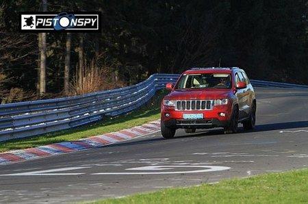El nuevo Jeep Grand Cherokee de pruebas por Nürburgring
