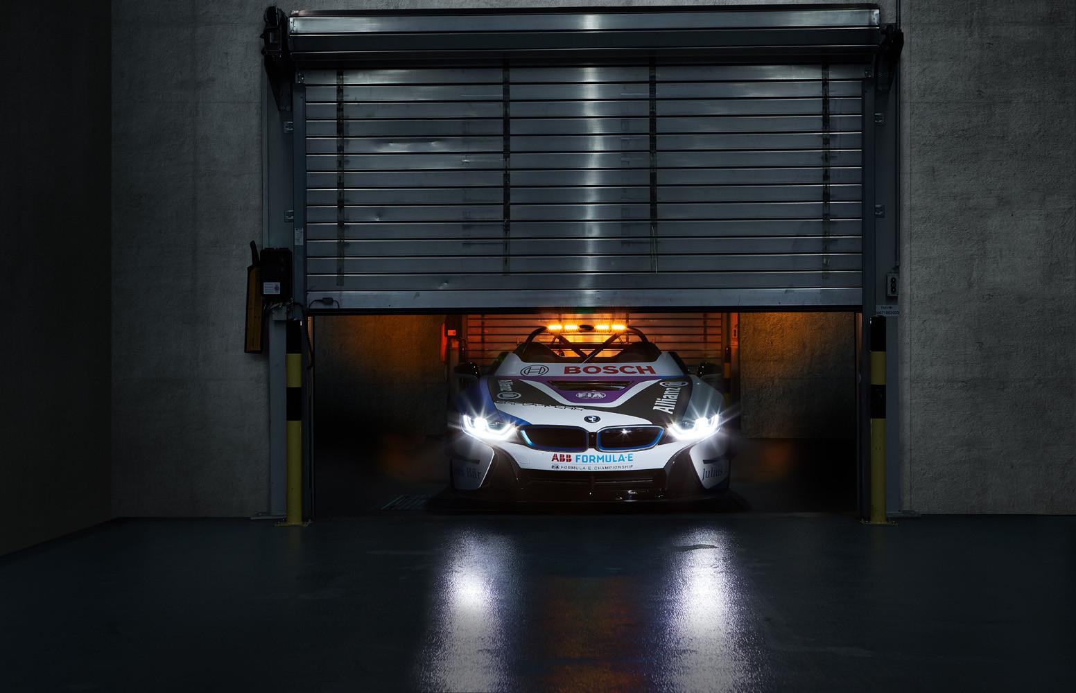 Foto de BMW i8 Roadster Formula E Safety Car (3/9)