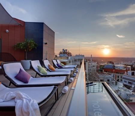 El Skylounge del Hotel Indigo, obra de Teresa Sapey, punto de encuentro este verano