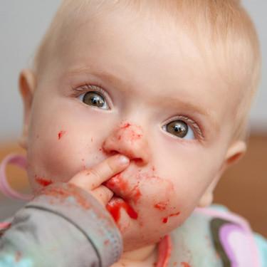Alimentación complementaria: recomendaciones de la AEP sobre la introducción de alimentos en la dieta del bebé