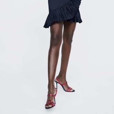 11 sandalias de tiras de Zara que te solucionarán tu look de Nochevieja