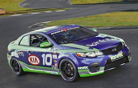 kia-forte-koup-going-racing-in-2010-grand-am-koni-challenge-seri.jpg