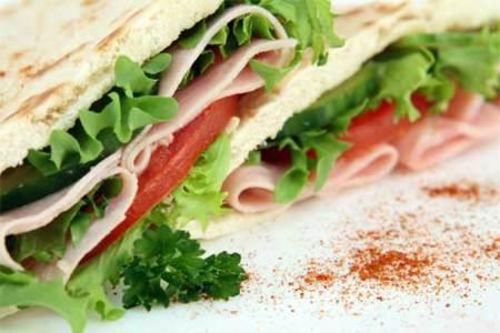 Alimentos que no deben faltar en la dieta de un deportista