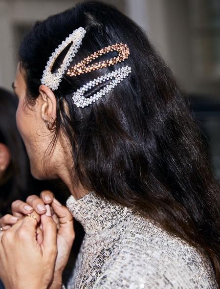 H&M nos propone un sinfín de sets de horquillas low-cost perfectos para pasar unas fiestas derrochando estilo