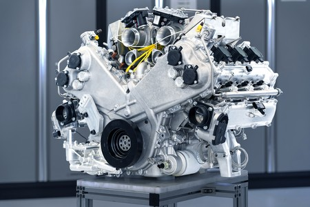 Aston Martin 3 0 V6 001
