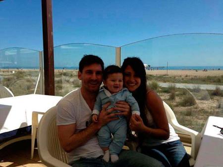 Pero cómo se le cae la baba a Messi con su nene
