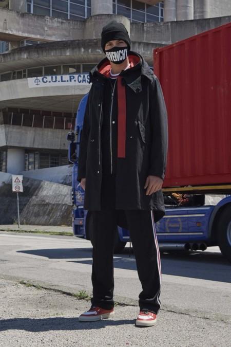 Givenchy apuesta por una fusión entre anarquismo y streetwear para su colección Resort 2017