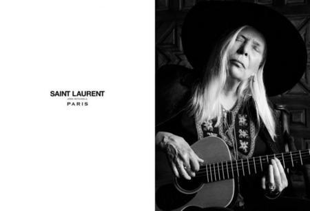 Joni Mitchell para Saint Laurent, Joan Didion para Céline... tener más de 70 años está de moda