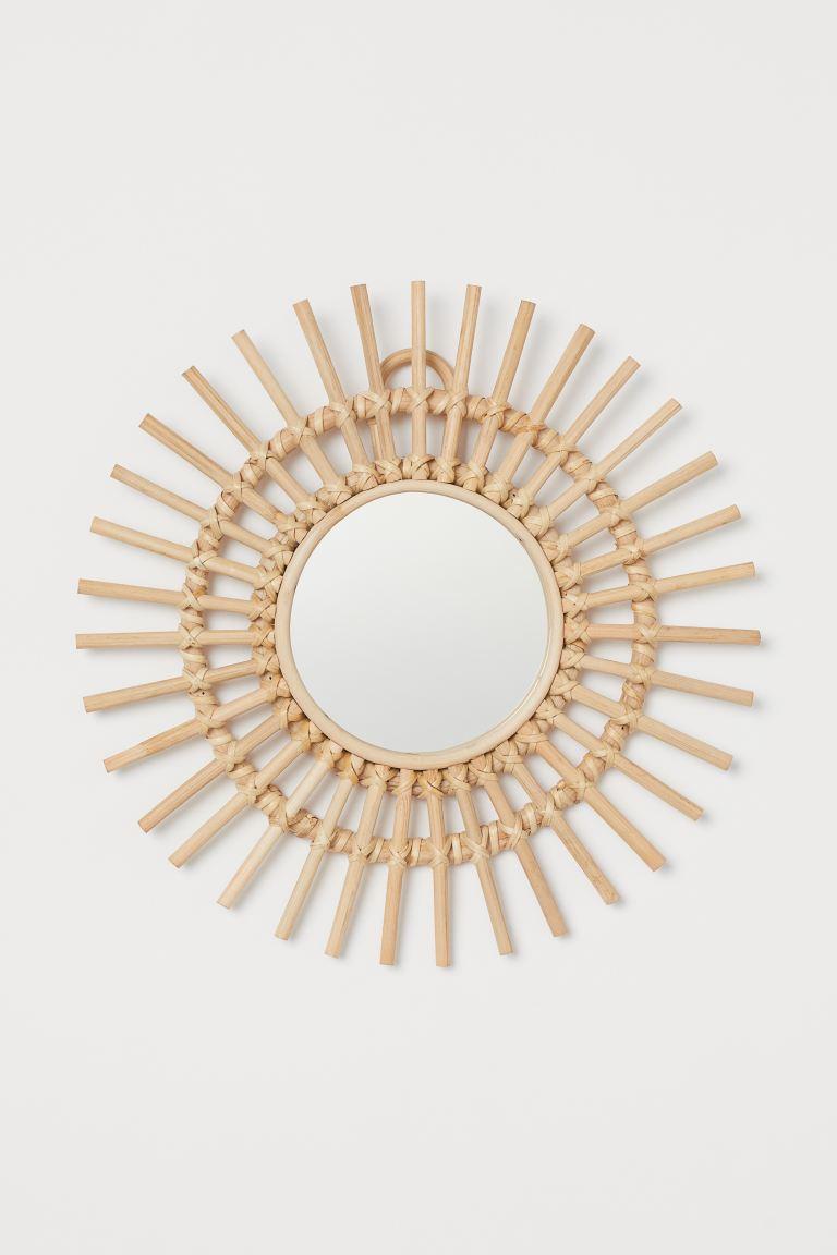 Espejo con marco de ratán