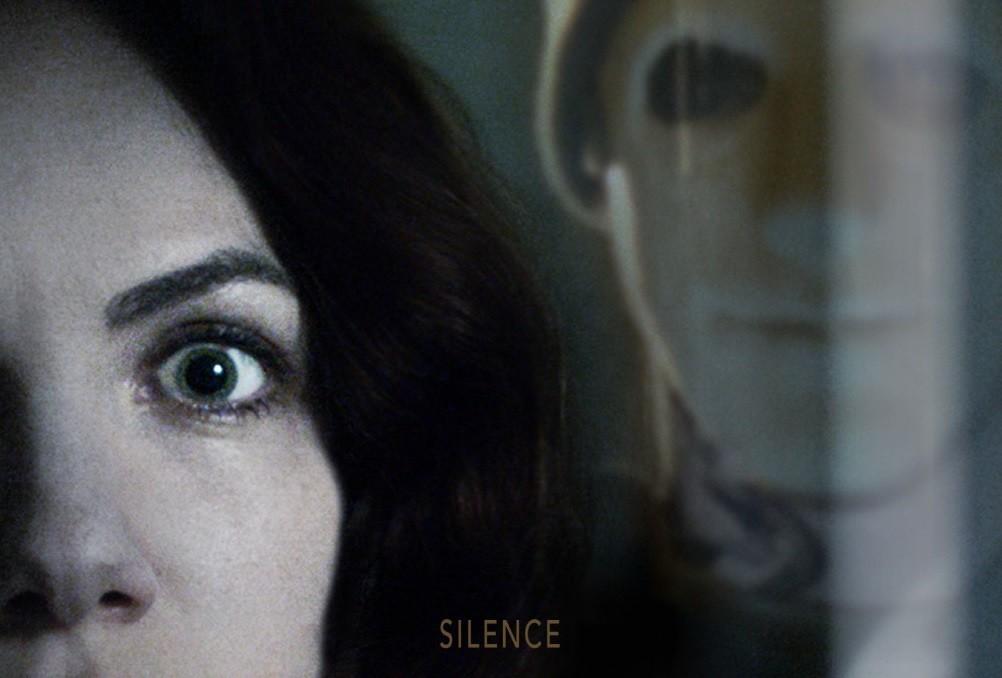 'Hush': un juguetón cruce entre slasher y home invasion en Netflix del director de 'La maldición de Hill House'