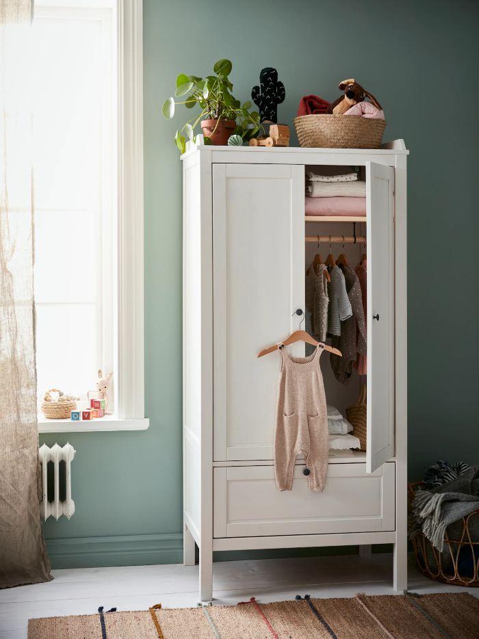 Armario blanco para niños