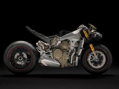 Ducati Panigale V4 en la intimidad, hasta 226 cv de erotismo mecánico desde 25.190 euros (+50 fotos)