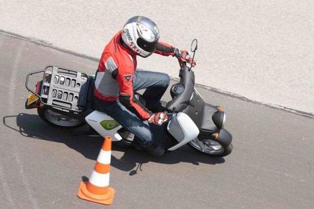 Prueba Honda EV-Neo slalom Miki 3