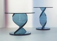 Mesas de cristal para el salón de Tonelli