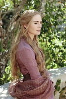 Lena Headey se nos divorcia, pero no de Robert Baratheon
