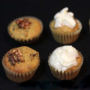 Receta de muffins de zanahorias, nueces y pasas con tres acabados diferentes