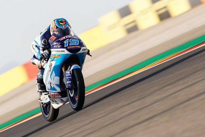 Gabriel Rodrigo es el menos lento en unos parsimoniosos entrenamientos de Moto3 en Buriram