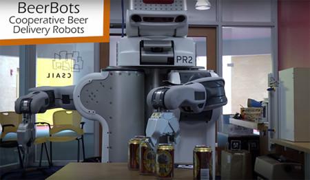 """Un equipo de robots """"camarero"""" del MIT sirve la cerveza de forma eficiente"""