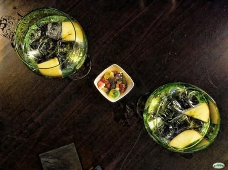 Olvídate de las cañas, la hora del aperitivo es el momento del medio gin-tonic