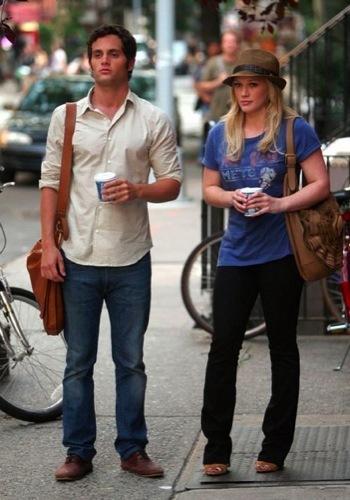 Dos estilos dentro del rodaje de Gossip Girl: Blake Lively Vs. Hilary Duff II