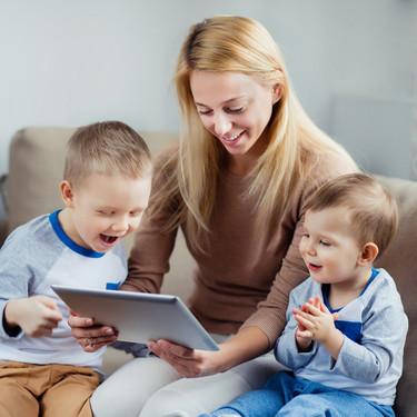 Siete juegos divertidos que los niños pueden hacer por videollamada con sus amigos y familia
