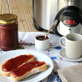Qué buena queda la mermelada de fresa cuando la haces en olla de cocción lenta o  Crock-Pot
