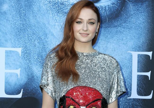 Sophie Turner dice adiós a Sansa Stark de la forma más significativa: un cambio de look redondo