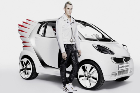 El Smart de Jeremy Scott te da alas