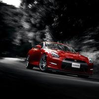 Antes de poner tu Nissan GT-R a 327 km/h revisa los neumáticos