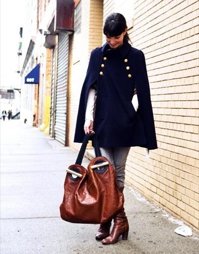 Looks de calle: vuelta a la universidad abrigo capa