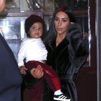 ¿Frío polar? Kim Kardashian lo combate con mucho estilo en su último look en Nueva York