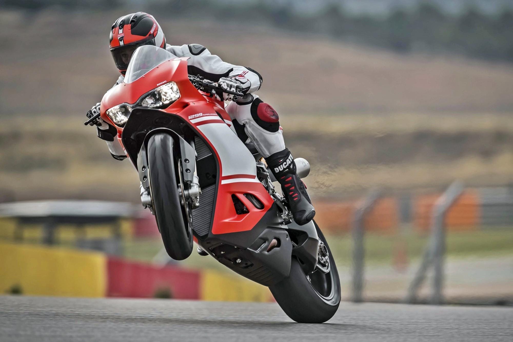 Foto de Ducati 1299 Superleggera (13/22)