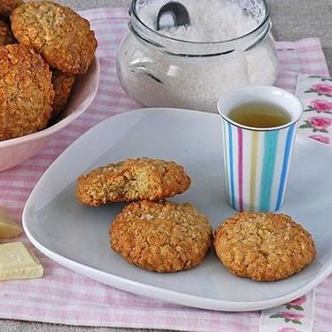 Receta de galletas de avena y chocolate blanco con flor de sal