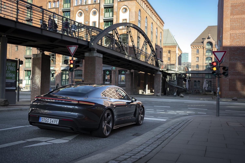 Foto de Porsche Taycan prueba contacto (82/275)